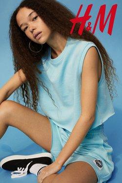 Promos de Vêtements, Chaussures et Accessoires dans le dépliant à H&M ( Publié hier)